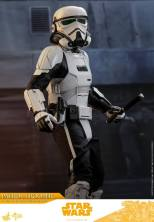 hot toys solo a star wars story patrol trooper figure -pivoting