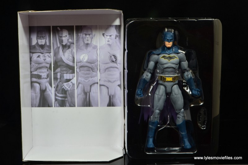 dc essentials batman figure review -inner tray
