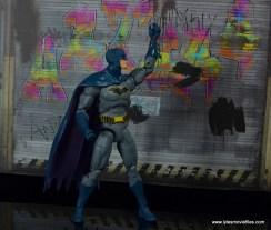 dc essentials batman figure review -measuring bat rappel