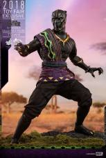 hot toys black panther t'chaka figure -attack position