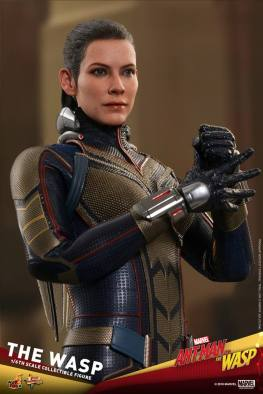 hot toys the wasp figure -blaster detail