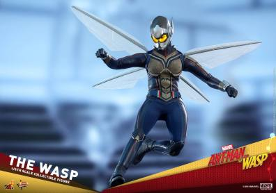 hot toys the wasp figure -flying down