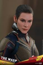 hot toys the wasp figure -outfit detail