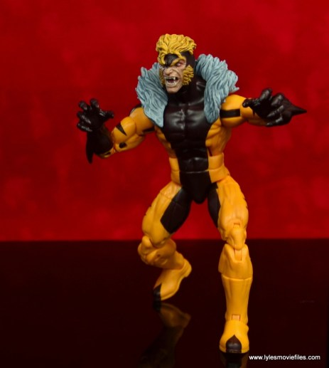 marvel legends sabretooth figure review - on the move