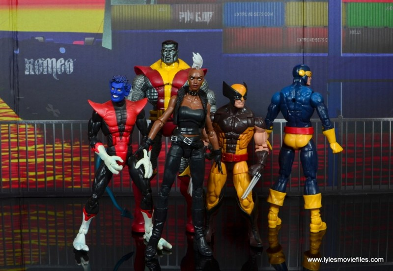 marvel legends storm figure review - with nightcrawler, colossus, wolverine and cyclops