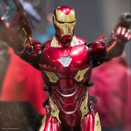 sdcc 2018 hot toys reveals -iron man mark l with nanotech accesorries