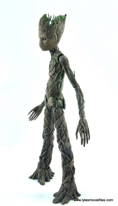 hot toys avengers infinity war groot and rocket review - groot left side
