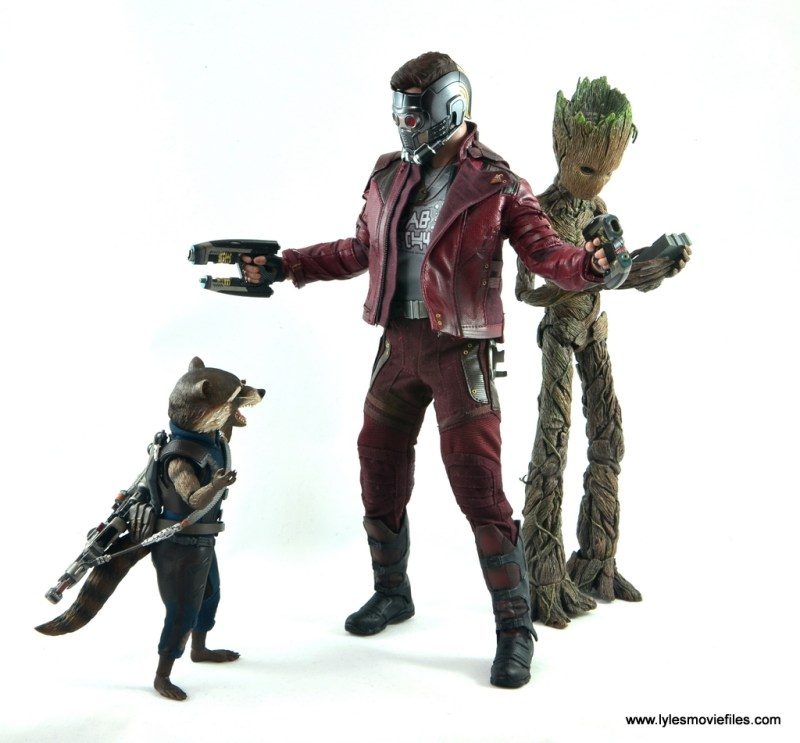 hot toys avengers infinity war groot and rocket review -rocket and star-lord arguing