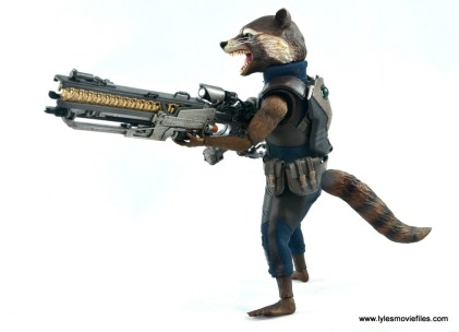 hot toys avengers infinity war groot and rocket review - rocket holding blaster left side