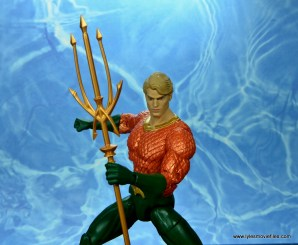 dc essentials aquaman action figure review - trident up