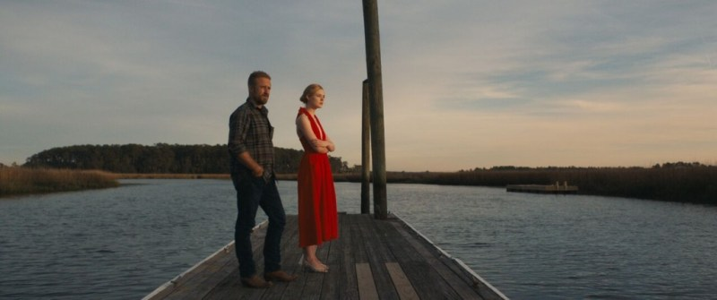 galveston movie review - ben foster and elle fanning on the pier