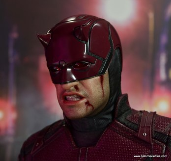 hot toys daredevil figure review - bloody right side