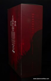 hot toys daredevil figure review - package side