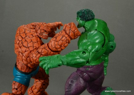 marvel legends the thing figure review - punching the hulk