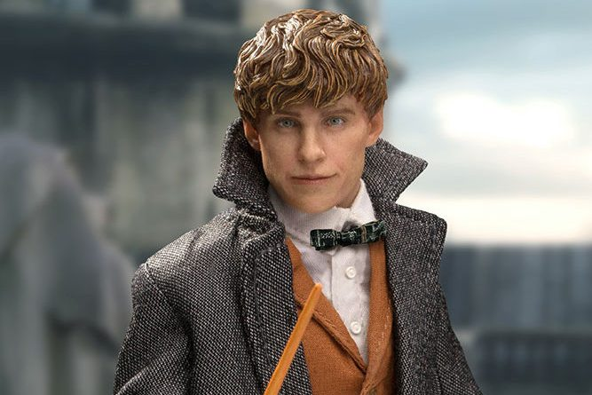 crimes-of-grindelwald-newt-scamander-collectible-figure-star-ace-with wand