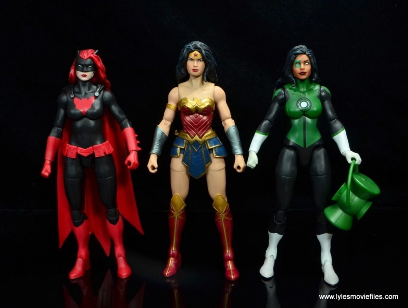 dc multiverse wonder woman figure review -with batwoman and jessica cruz