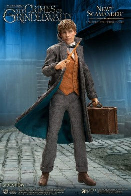 fantastic-beasts-the-crimes-of-grindelwald-newt-scamander-collectible-figure-star-ace-wide shot