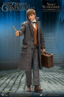fantastic-beasts-the-crimes-of-grindelwald-newt-scamander-collectible-figure-star-ace-with suitcase and wand