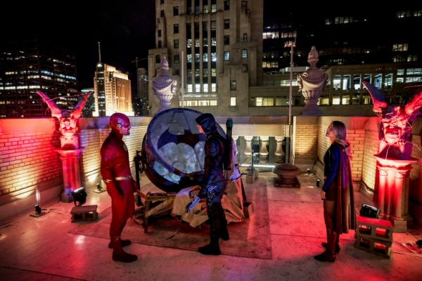 arrow-elseworlds-part-2-review-arrow-flash-flash-arrow-and-supergirl