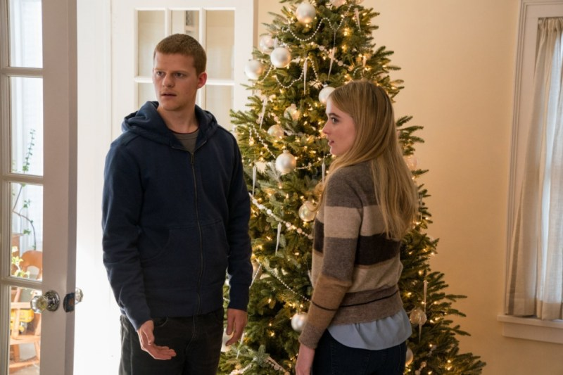 ben is back review - lucas hedges and kathyrn newton