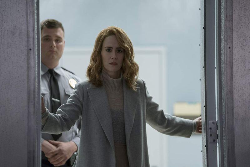 glass movie review - sarah paulson