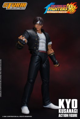 storm collectibles kyo kusanagi figure -victory pose