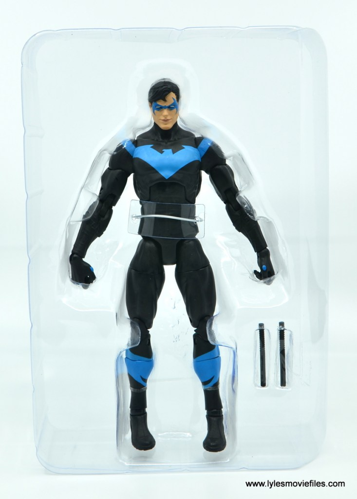 dc essentials nightwing figure review - accessories