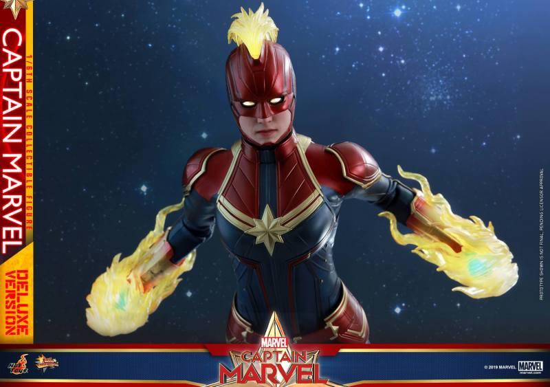 hot toys captain marvel deluxe figure -flying