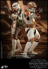 hot toys star wars revenge of the sith commander cody figure -back to back
