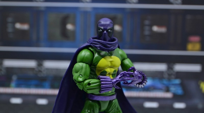 Marvel Legends Prowler figure review - main pic