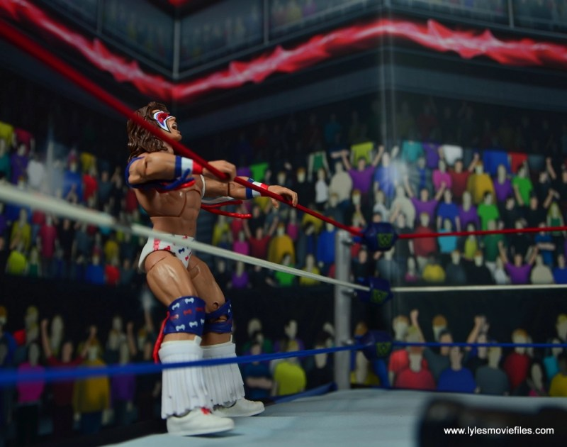 WWE Flashback Ultimate Warrior figure review -shaking the ropes