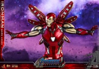 hot toys avengers endgame iron man mark LXXXV figure - wide shot