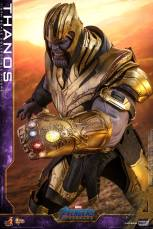 hot toys avengers engame thanos figure - leading with the infinity gauntlet
