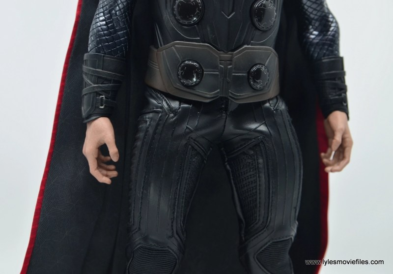 hot toys avengers infinity war thor figure review - belt and pants detail