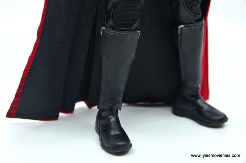 hot toys avengers infinity war thor figure review - boot shin guard detail