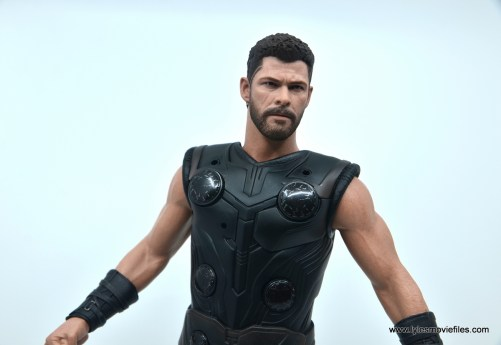 hot toys avengers infinity war thor figure review - collar piece off