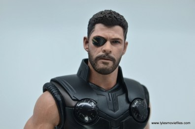 hot toys avengers infinity war thor figure review - gold eye patch