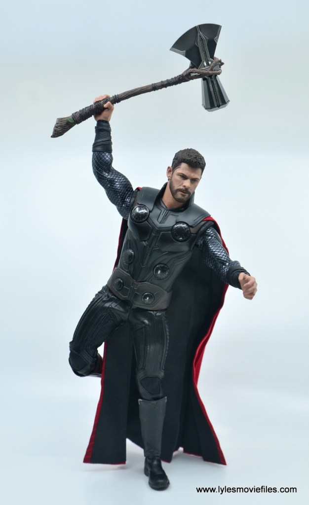 hot toys avengers infinity war thor figure review - standing on one leg