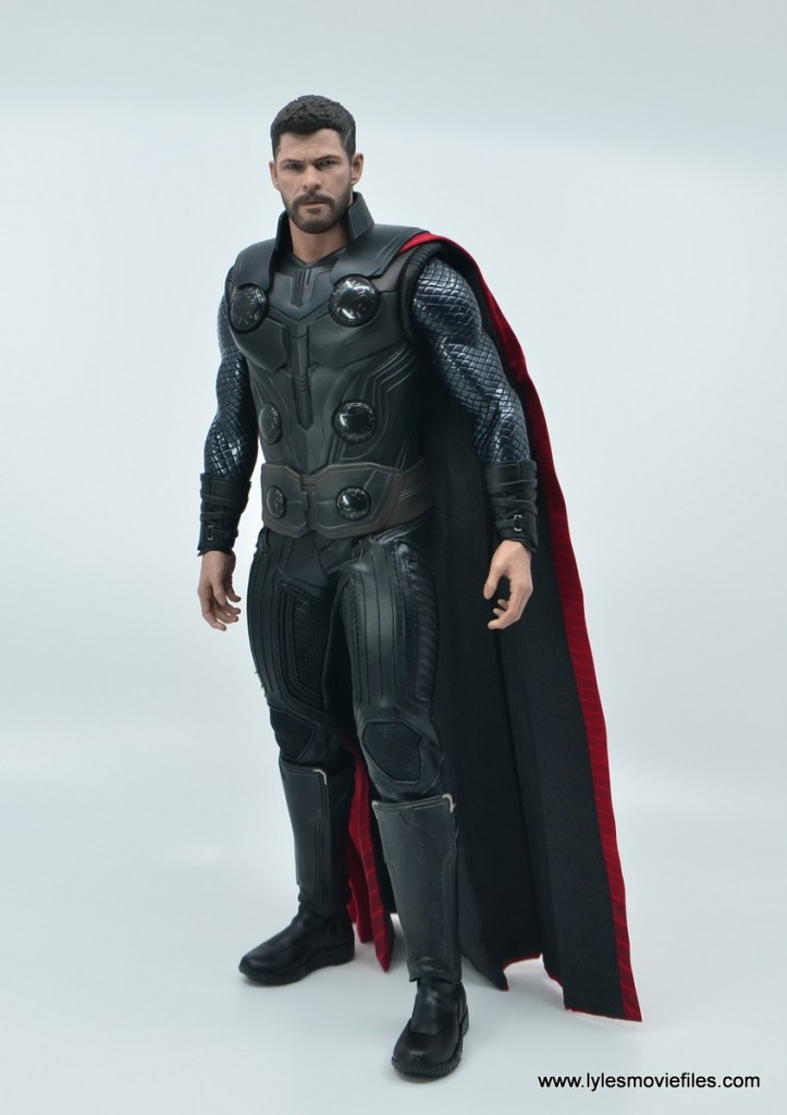 hot toys avengers infinity war thor figure review - standing side shot