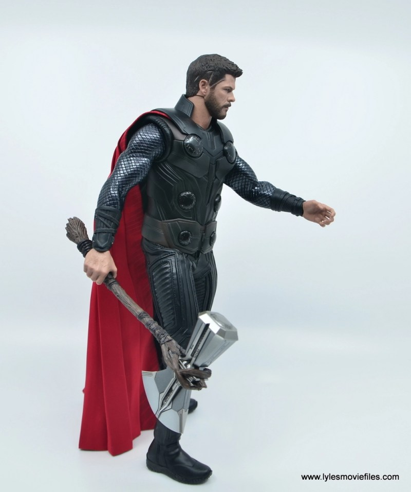 hot toys avengers infinity war thor figure review - walking with stormbreaker