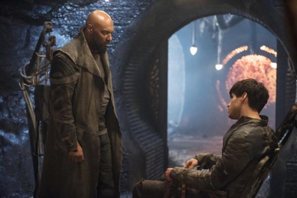krypton-season-1review-general-zod-and-seg-el