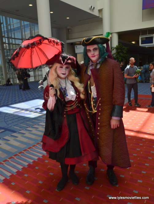 Awesome Con 2019 - renaissance harley quinn and joker