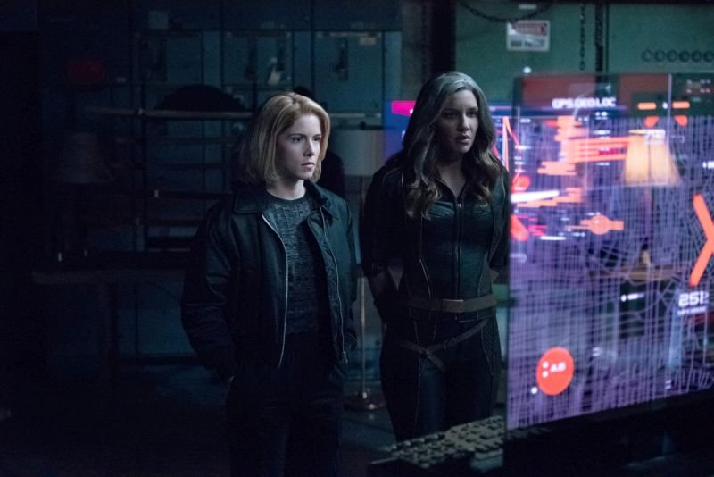arrow lost canary review - future felicity and dinah