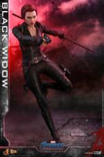 hot toys avengers endgame black widow figure - staff and gun out