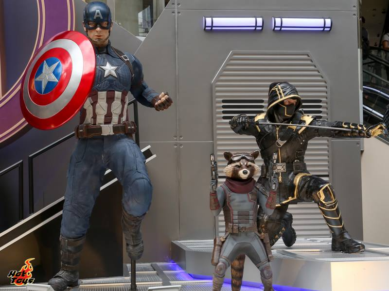 hot toys avengers endgame captain america, rocket and hawkeye