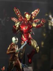 hot toys avengers endgame exhibit iron man