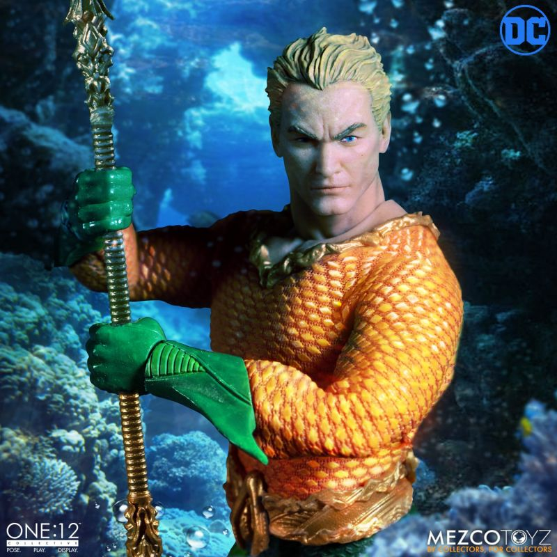 mezco one 12 aquaman figure - close up with trident