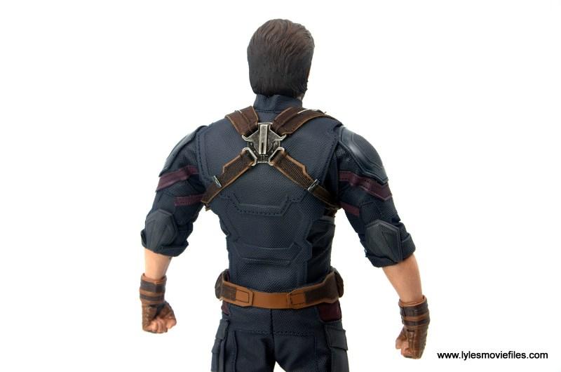 Hot Toys Avengers Infinity War Captain America figure review - uniform back