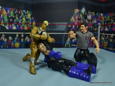 WWE Goldust figure review - chinlock to undertaker