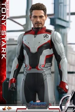 hot toys avengers endgame tony stark team suit - front shot